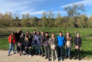 ESTUDIANTS DE LA UNIVERSITAT DE GIRONA GAUDEIXEN D'UN CURS SOBRE EL SISTEMA POLYFARMING A PLANESES